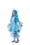 作为Malvina穿戴的可爱女孩摆在 免版税库存图片