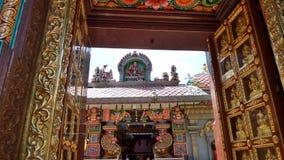 作为Wat在Silom路曼谷的,著名叫的Mahamariamman寺庙前门Khaek,趾缘蜥类devi寺庙 图库摄影