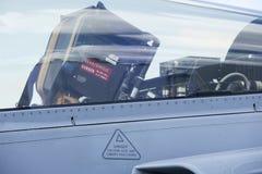 作战喷气式歼击机的驾驶舱 免版税库存图片