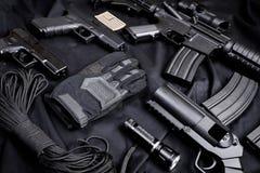 作战backgound自定义dof小点手电查出的m4a1现代对象ops红色步枪浅射击视域遏声器spec的工作室掀动我们视图武器白色 免版税库存照片