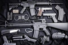 作战backgound自定义dof小点手电查出的m4a1现代对象ops红色步枪浅射击视域遏声器spec的工作室掀动我们视图武器白色 免版税图库摄影