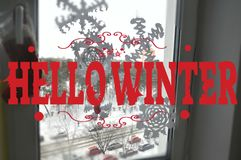 你好冬天文本 字法 与习惯书法的卡片设计 免版税库存图片