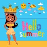 你好夏天菠萝海滩的草裙舞女舞伴 库存图片
