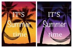 你好夏天 与与棕榈、天空和日落的热带夏天背景 免版税库存照片