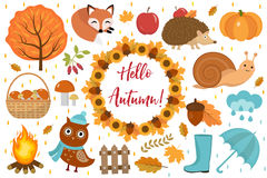 你好秋天象设置了舱内甲板或动画片样式 汇集与叶子,树,蘑菇,南瓜的设计元素,狂放 免版税库存图片