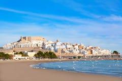 佩尼伊斯科拉城堡和海滩在Castellon西班牙 免版税库存图片
