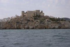 佩尼伊斯科拉市在海 免版税库存图片