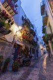 佩尼伊斯科拉老镇狭窄的街道  免版税图库摄影
