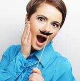 佩带假髭的女孩 免版税图库摄影