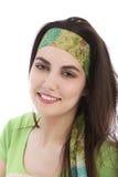 佩带头饰带的美丽的年轻深色的妇女 图库摄影