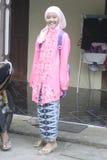 佩带KEBAYA的学生在天KARTINI 免版税图库摄影