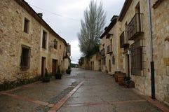 佩德拉萨中世纪村庄,西班牙 免版税库存图片