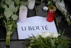 佩斯在法国大使馆攻击了_PEOPLE和花 免版税图库摄影