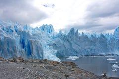 佩里托莫雷诺冰川在Los Glaciares国家公园在阿根廷 库存图片