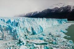 佩里托莫雷诺冰川,埃尔卡拉法特阿根廷, La巴塔哥尼亚 库存图片