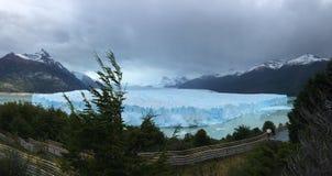 佩里托莫雷诺冰川-自然现象 库存图片