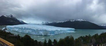 佩里托莫雷诺冰川-自然现象 免版税库存照片