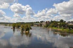 从佳丽小岛步行桥的看法在里士满,弗吉尼亚 免版税库存图片