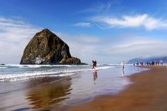 佳能海滩,夏时假期,俄勒冈 免版税图库摄影
