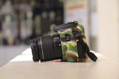 佳能1300D DSLR照相机 库存照片