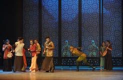 使人产生敬畏心的舞蹈过去的戏曲沙湾事件正义这第三次行动  库存照片