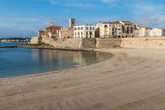 使俯视的安地比斯,彻特d ` Azur,法国靠岸 库存图片