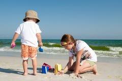 使儿童使用靠岸 免版税库存照片