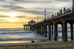 使加利福尼亚曼哈顿码头射击端南日落靠岸 库存图片
