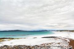 使含沙白色靠岸 西部小岛,苏格兰 免版税图库摄影