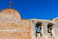 使命圣胡安卡皮斯特拉努响铃  免版税图库摄影