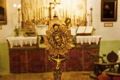使命圣路易斯-奥比斯保de托洛萨古铜基督奖牌, Californi 库存图片