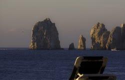 使土地的末端靠岸, Cabo圣卢卡斯,墨西哥侧视图  库存照片