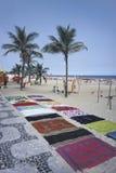 使在销售中的布料, ipanema海滩,里约热内卢,巴西靠岸 免版税库存图片