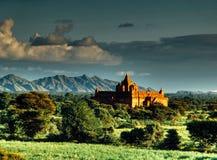 使在Bagan寺庙区域的看法环境美化在缅甸的 图库摄影