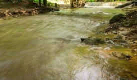 使瀑布namtok pacharogn国家公园,达泰国环境美化 免版税图库摄影