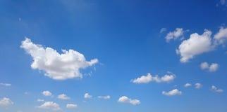 使用与云彩 免版税图库摄影