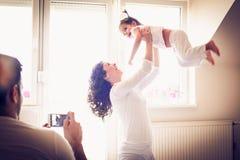 使用与妈妈的早晨对射击是重要 图库摄影