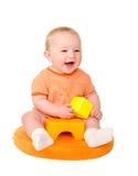 使用与玩具砖的愉快的男婴 免版税图库摄影