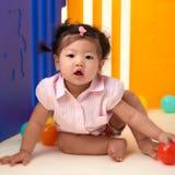 使用与球的中国女婴 图库摄影