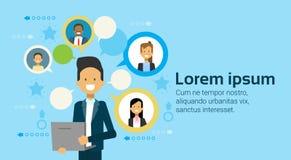 使用便携式计算机的商人沟通与买卖人队,商人网络概念的 向量例证