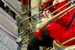 使用在喇叭的音乐家在音乐会 库存照片
