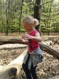 使用在森林里的女孩 库存照片