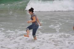 使用在海浪 免版税库存照片