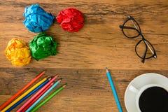 使用对画的设计的一支浅兰的颜色铅笔 免版税库存图片