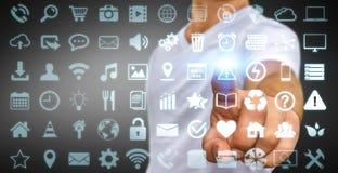 使用数字式有触觉的屏幕接口的商人与网象 库存照片