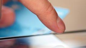 使用智能手机的人为与信用卡的网上购买 股票录像