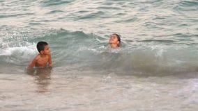 使用海上的愉快的孩子 影视素材