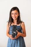 使用照相机的孩子 免版税库存照片