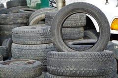使用的汽车轮胎 免版税库存照片