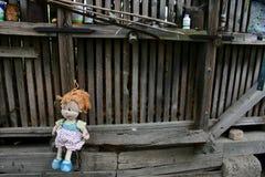使用的玩偶等待的孩子 库存图片